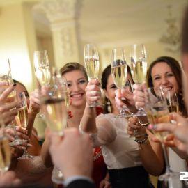 Slávnostný prípitok, stužková slávnosť v Grand Hoteli Praha v Tatranskej Lomnici