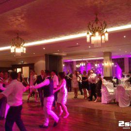 Prvý mladomanželský tanec, medzinárodná svadba